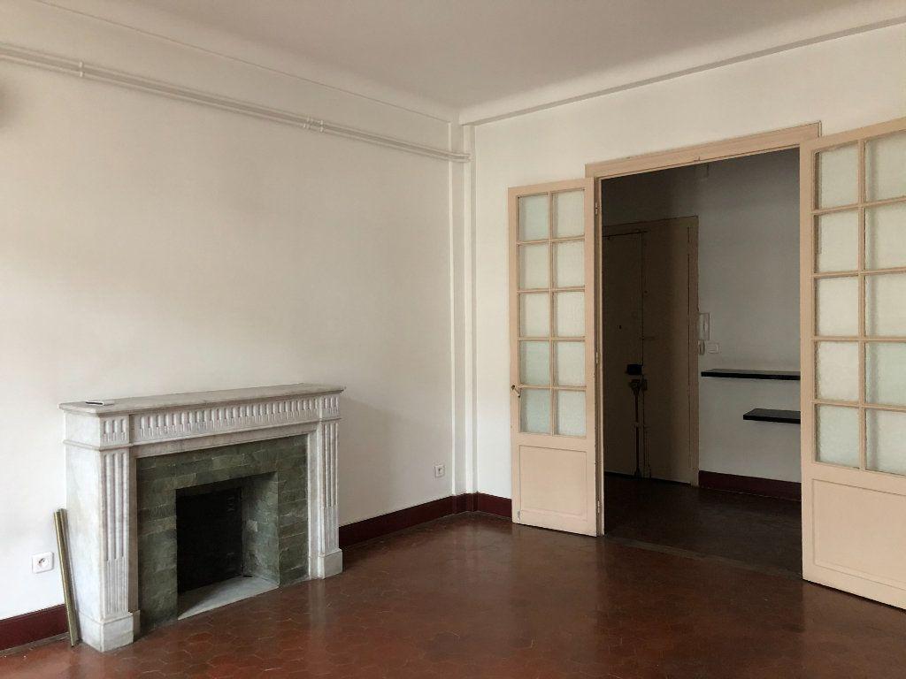 Appartement à louer 5 109.45m2 à Toulon vignette-2