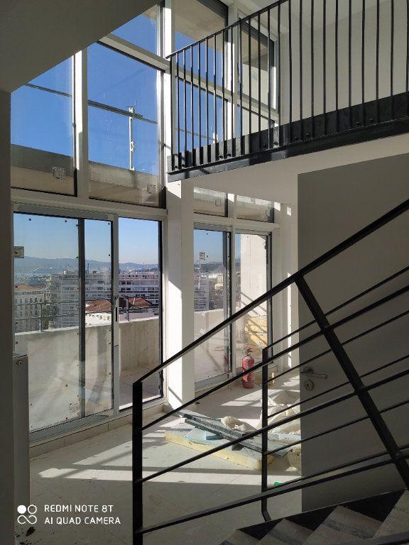 Appartement à vendre 4 96m2 à Toulon vignette-2