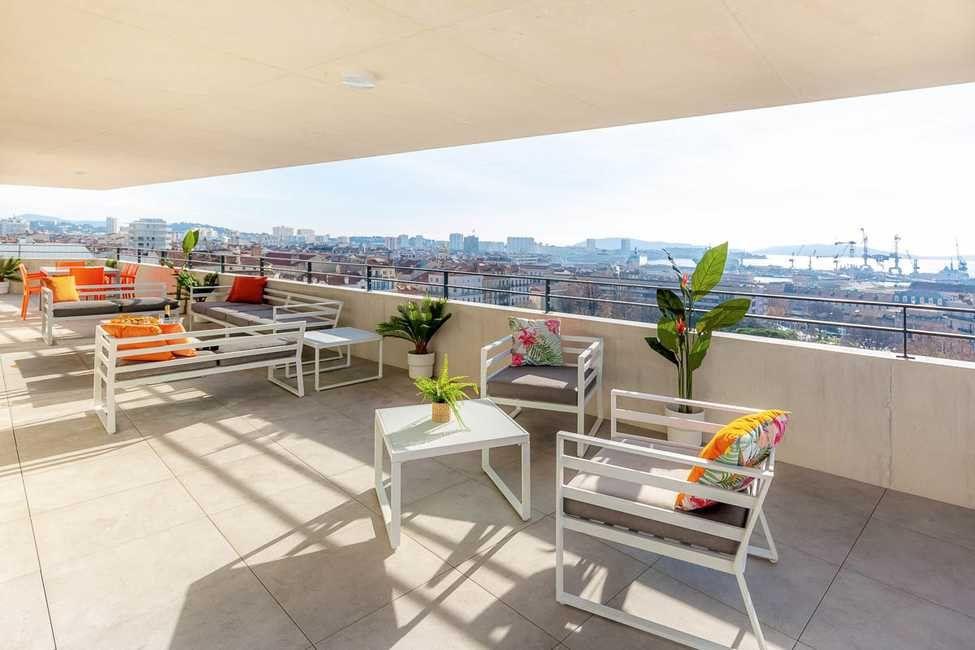 Appartement à vendre 5 161m2 à Toulon vignette-2