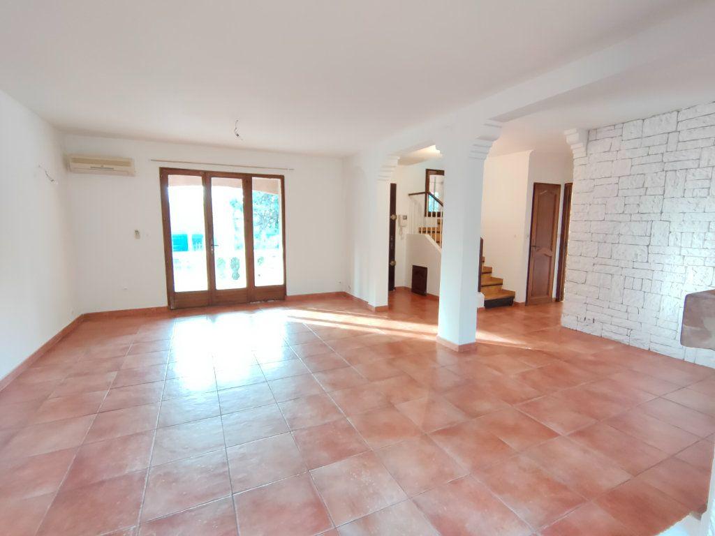 Maison à vendre 6 150m2 à Ollioules vignette-2