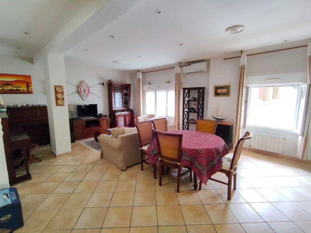 Appartement à vendre 5 128.43m2 à Toulon vignette-1