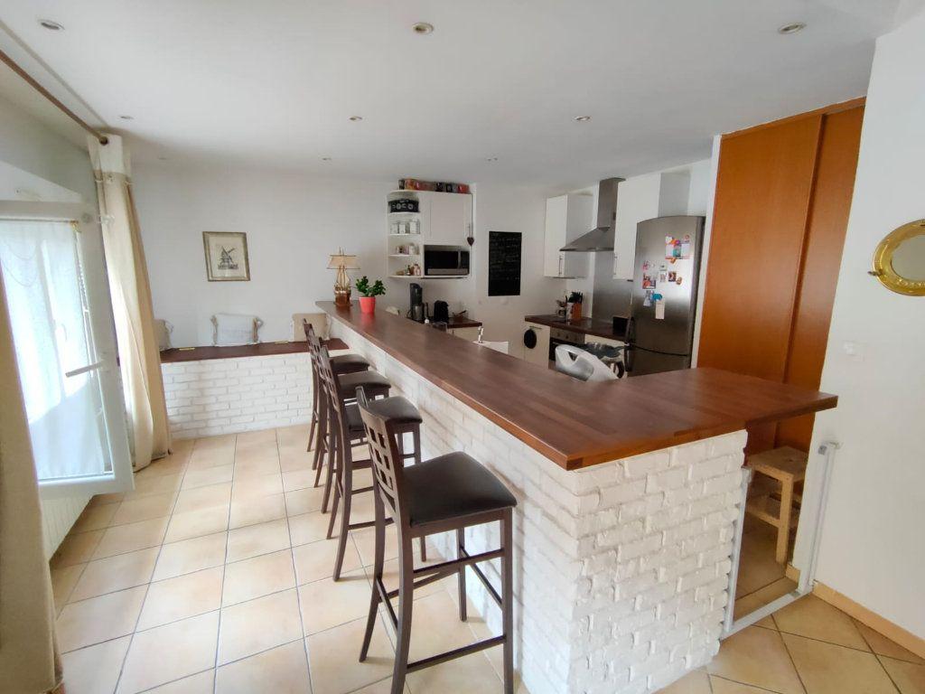 Appartement à vendre 5 128.43m2 à Toulon vignette-2