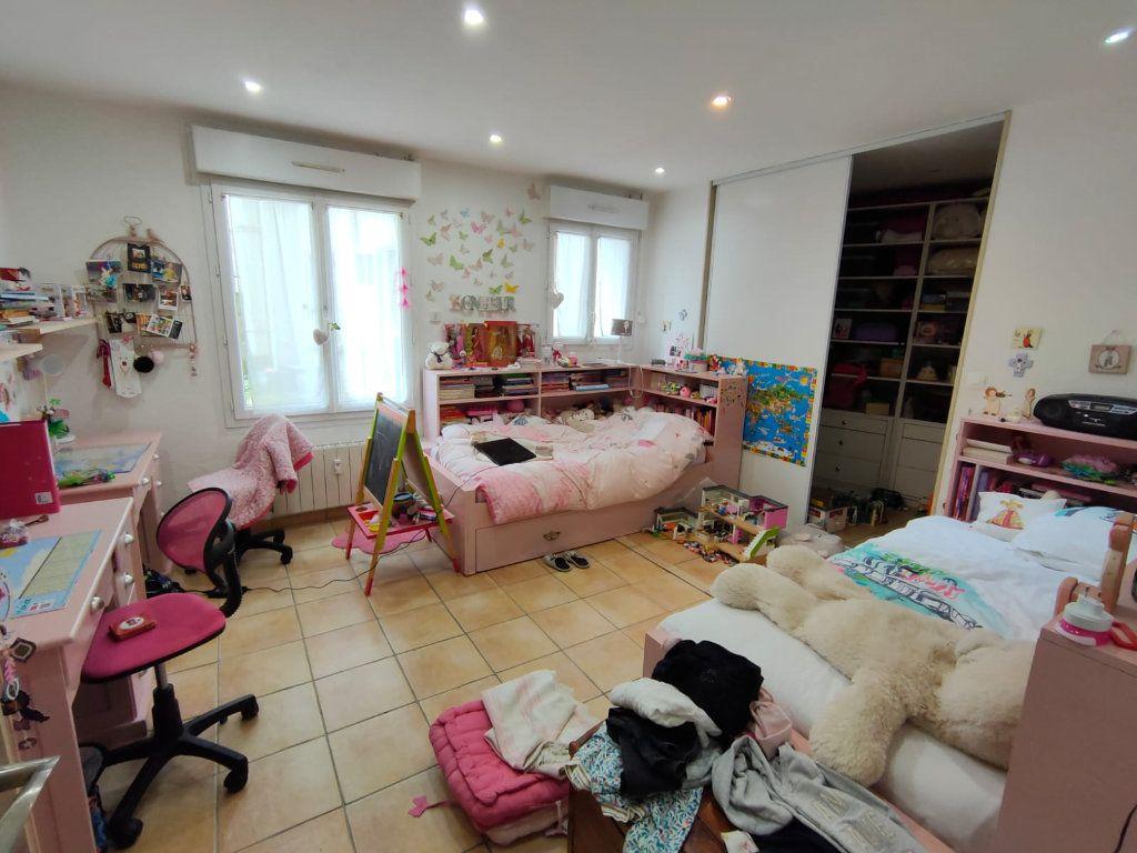 Appartement à vendre 5 128.43m2 à Toulon vignette-5