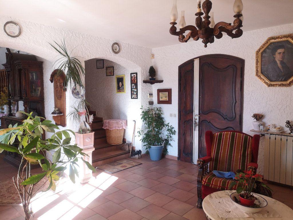 Maison à vendre 6 240m2 à Solliès-Pont vignette-5