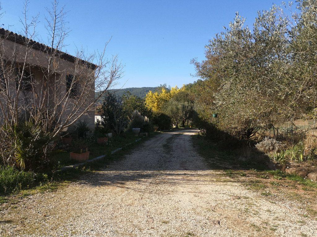 Maison à vendre 6 240m2 à Solliès-Pont vignette-7
