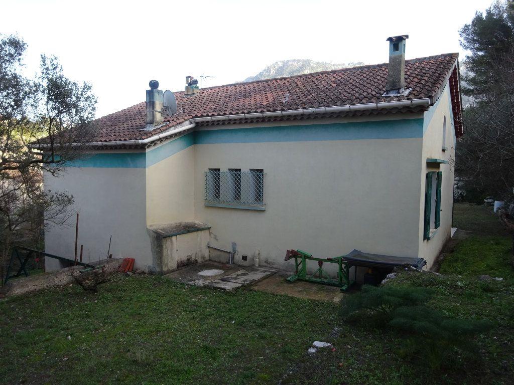 Maison à vendre 7 140m2 à Toulon vignette-4