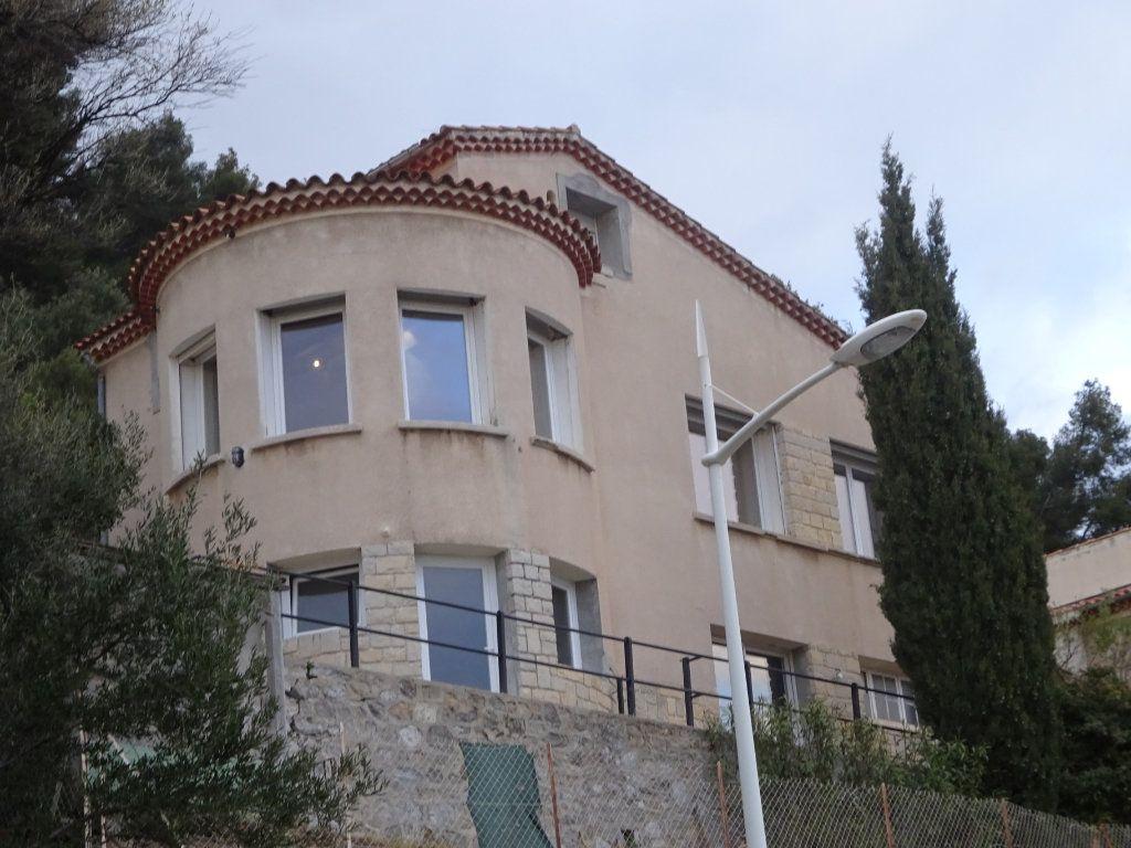 Maison à vendre 6 135m2 à Toulon vignette-2