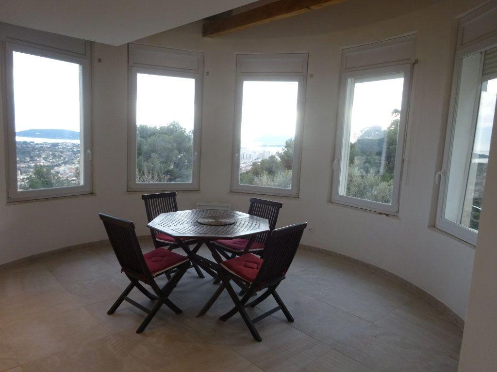 Maison à vendre 6 135m2 à Toulon vignette-4
