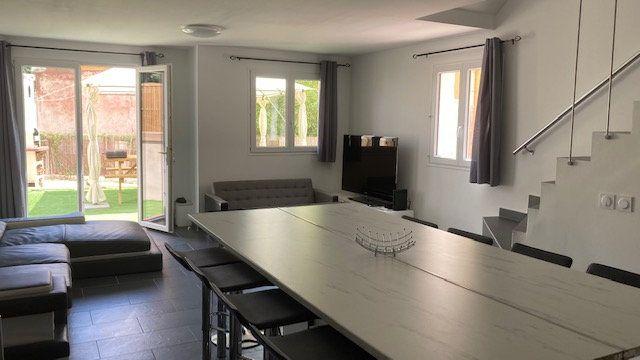 Maison à vendre 6 119m2 à Toulon vignette-1