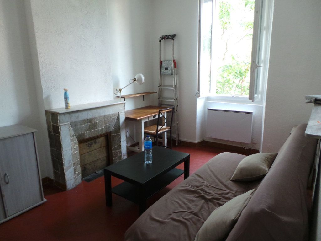 Appartement à louer 2 27.15m2 à Toulon vignette-4