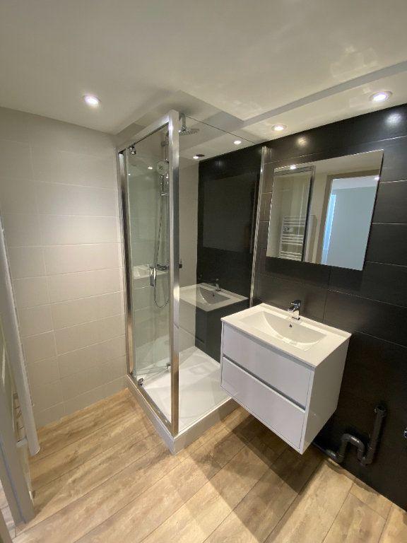 Appartement à louer 2 38.21m2 à Hyères vignette-4