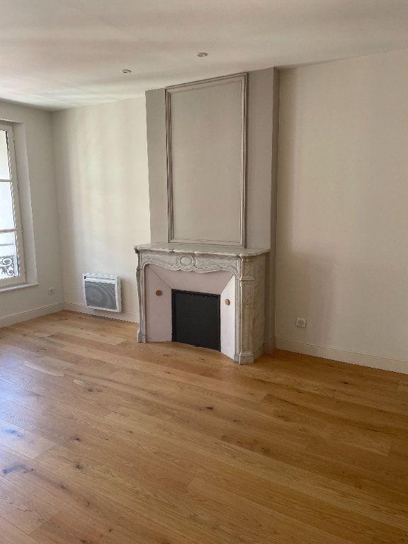 Appartement à louer 3 58.5m2 à Toulon vignette-5