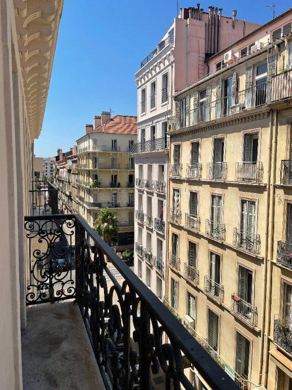 Appartement à louer 3 58.5m2 à Toulon vignette-6