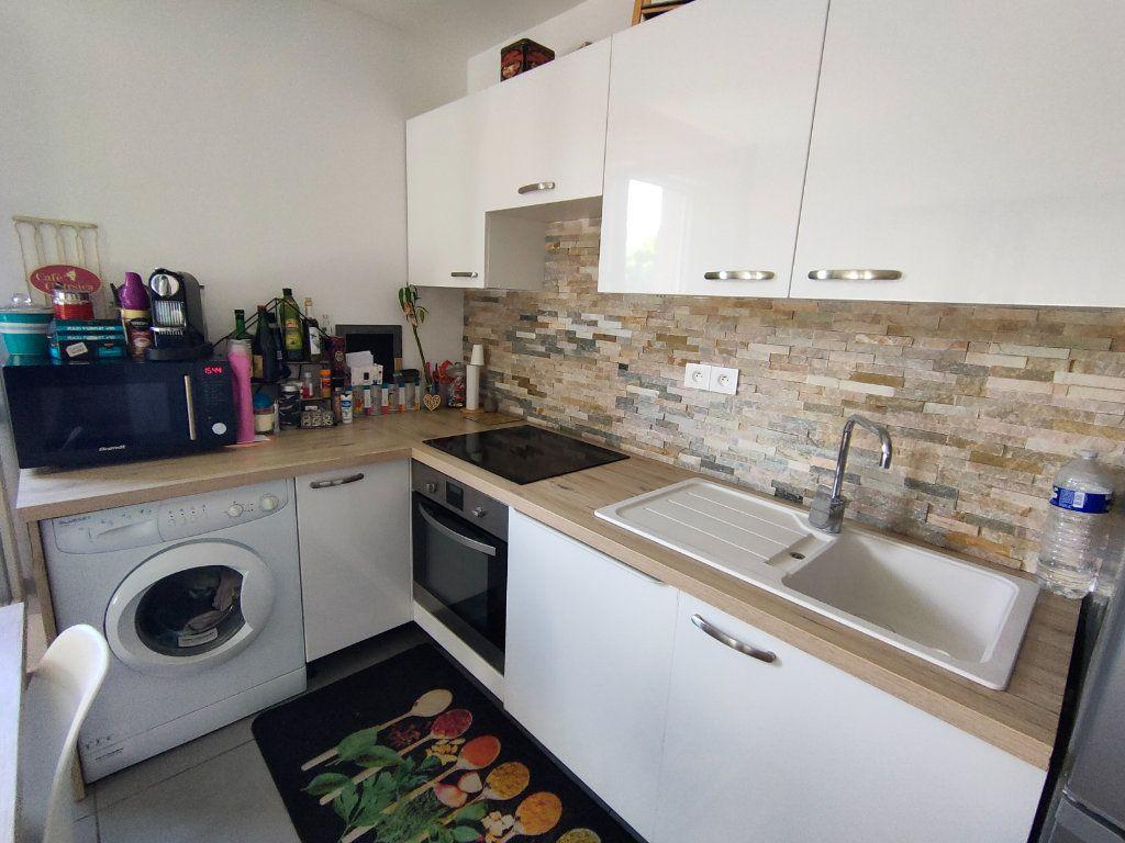 Appartement à vendre 3 64m2 à Toulon vignette-2