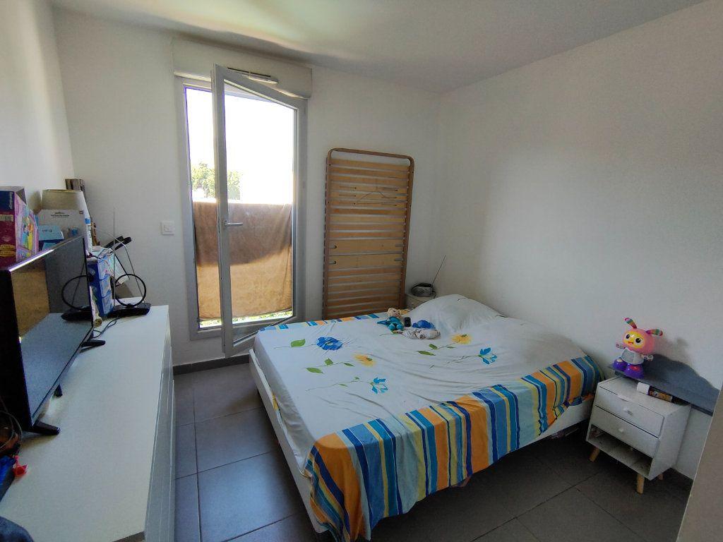 Appartement à vendre 3 64m2 à Toulon vignette-3