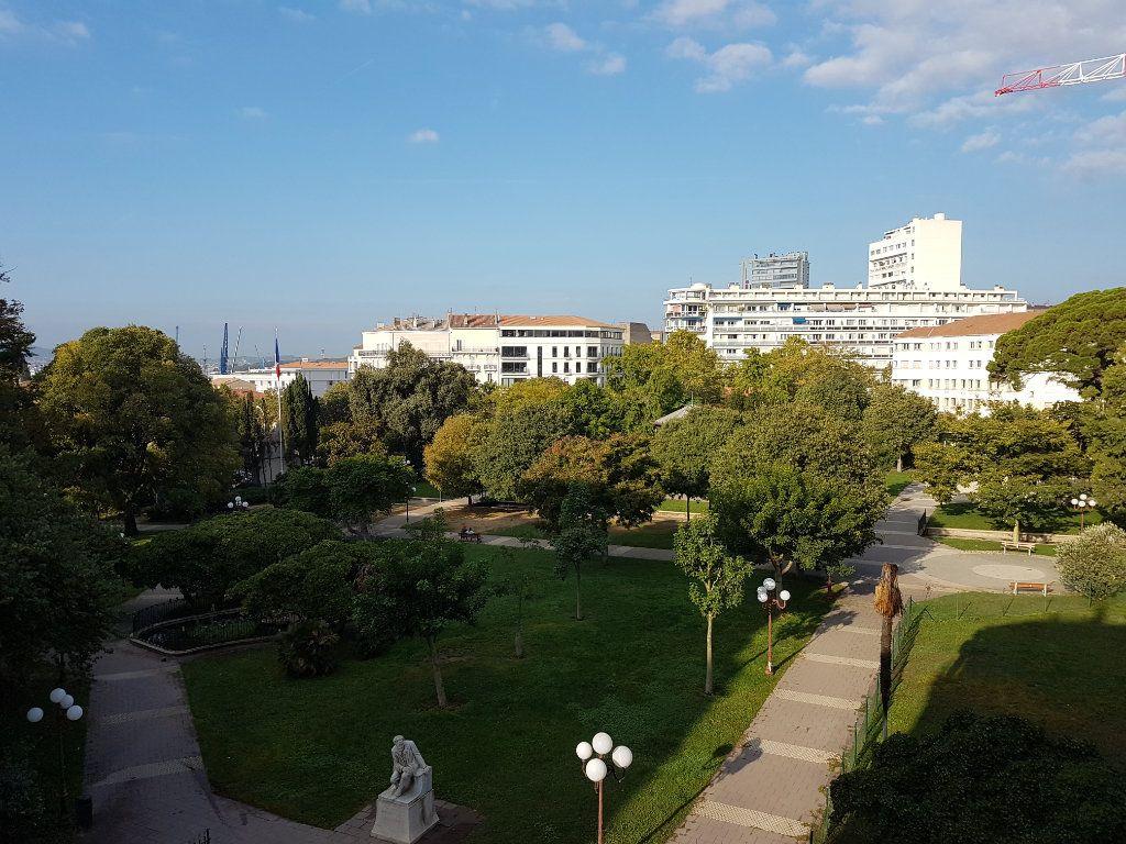 Appartement à louer 3 80.93m2 à Toulon vignette-2
