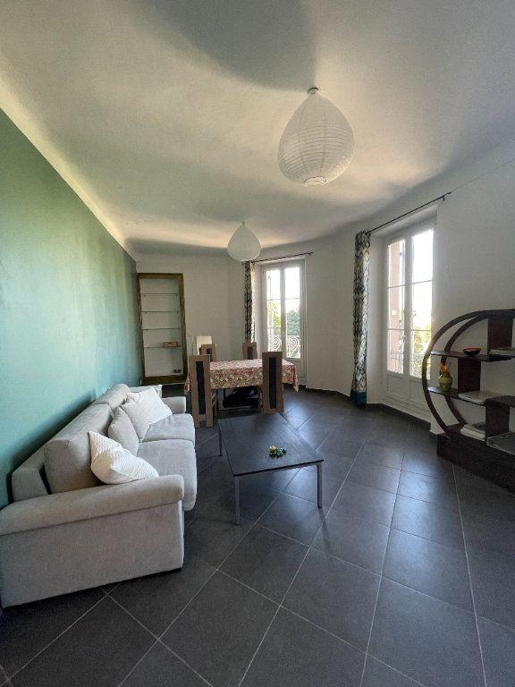 Appartement à louer 3 80.93m2 à Toulon vignette-3