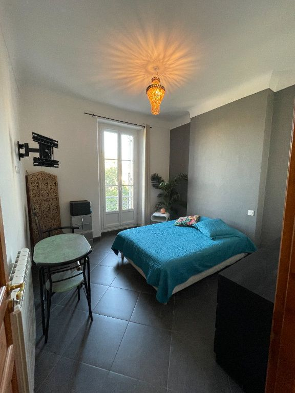 Appartement à louer 3 80.93m2 à Toulon vignette-5
