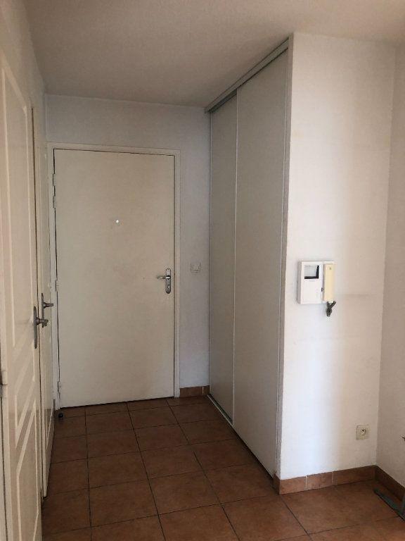 Appartement à louer 3 60.09m2 à Toulon vignette-6