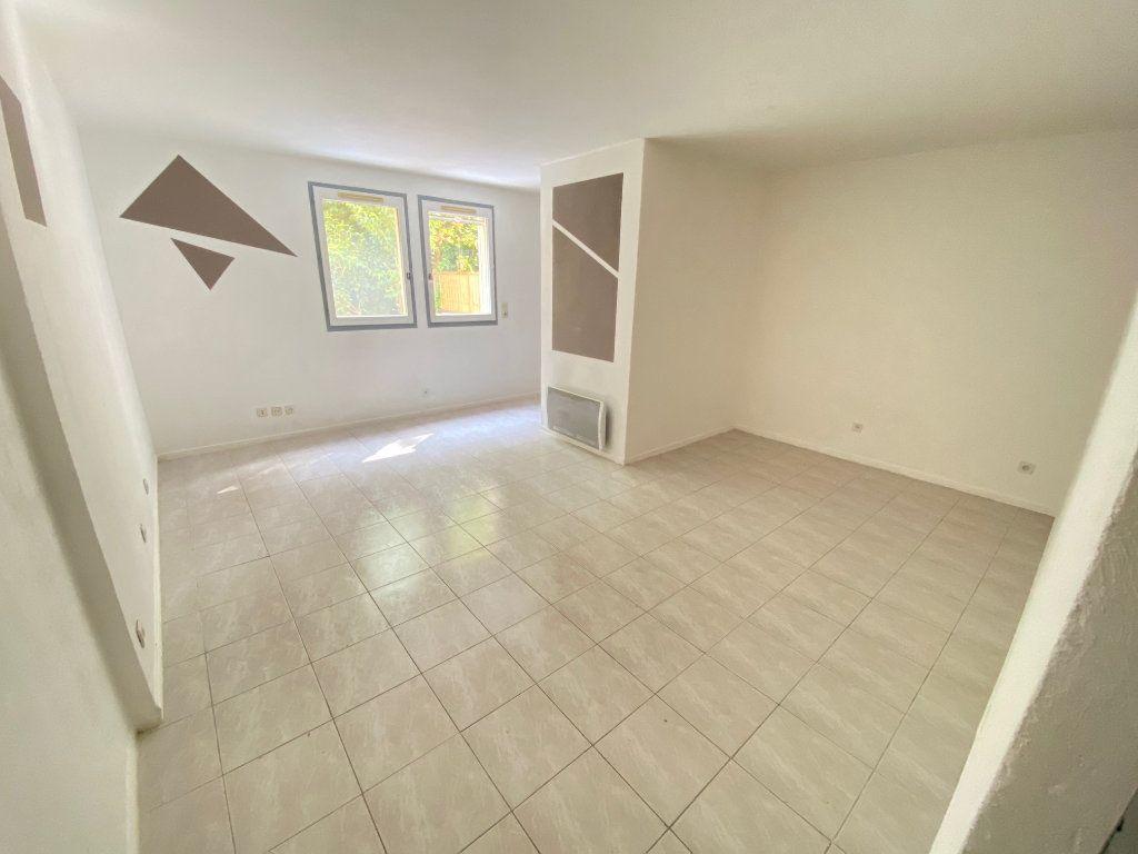 Appartement à louer 1 34m2 à Grasse vignette-1