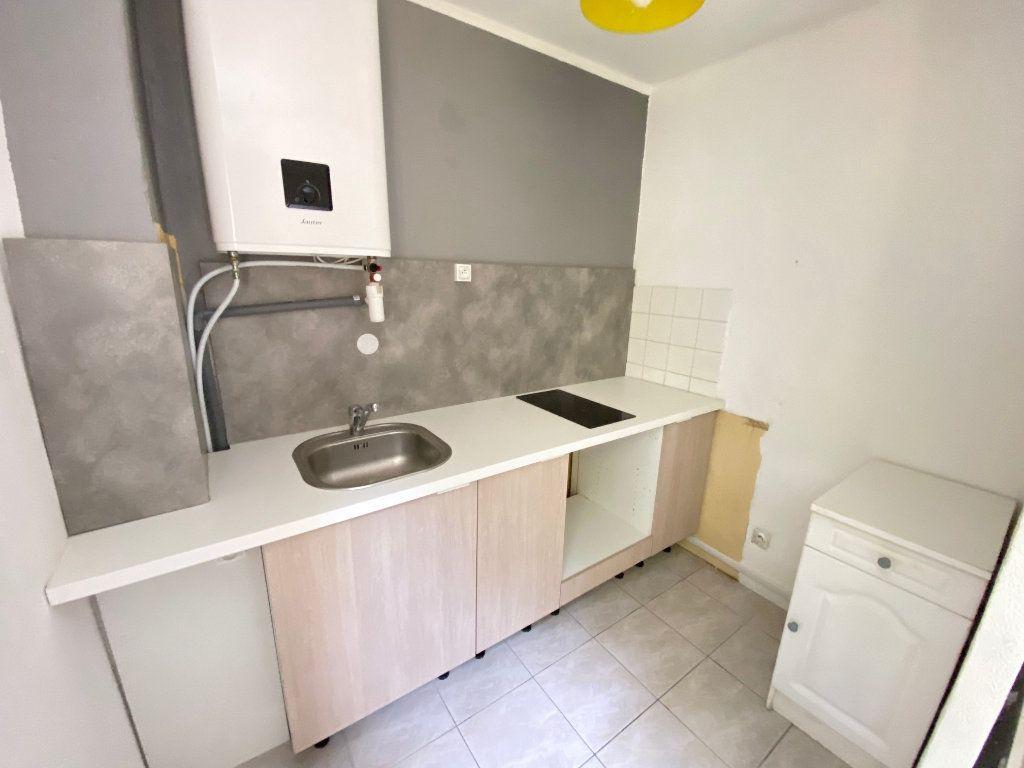 Appartement à louer 1 34m2 à Grasse vignette-3