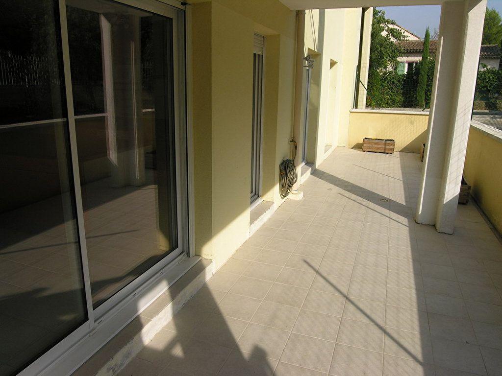 Appartement à louer 3 64.3m2 à Grasse vignette-2