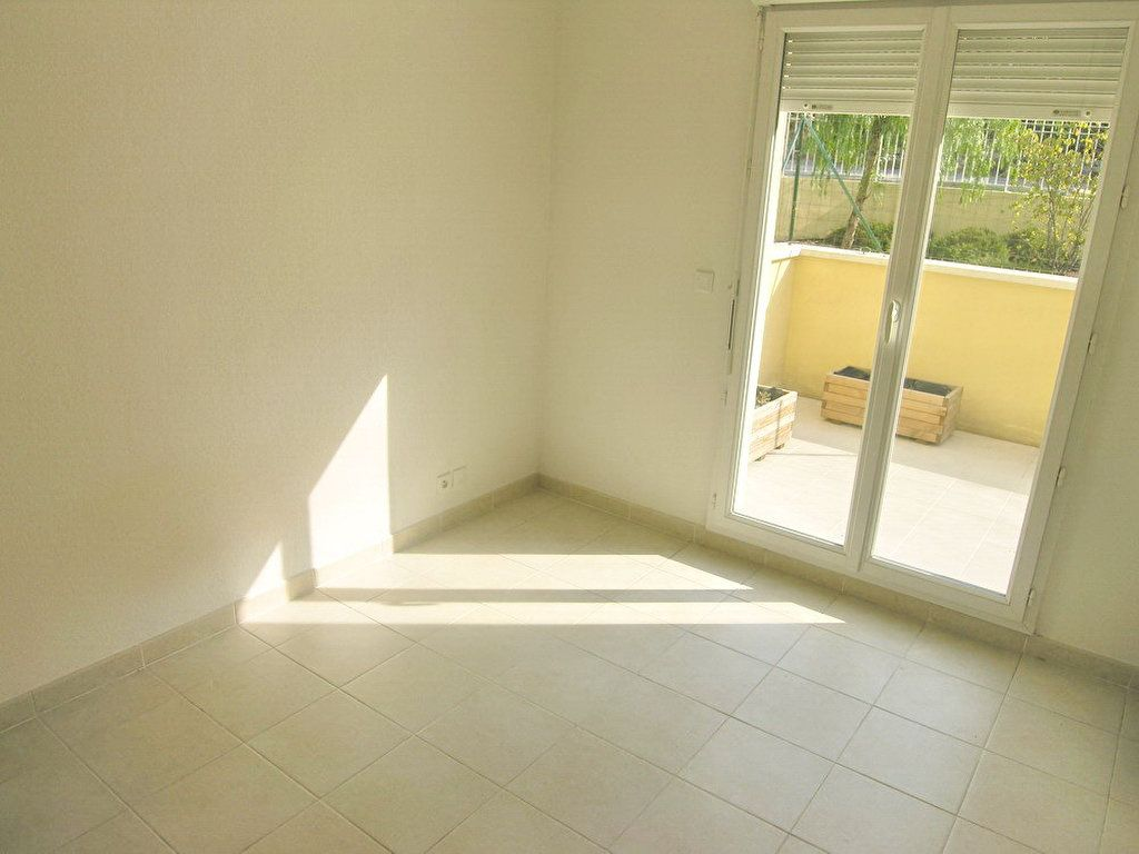 Appartement à louer 3 64.3m2 à Grasse vignette-5