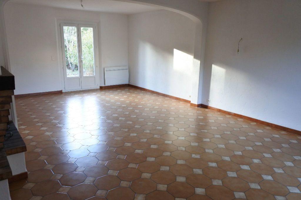 Maison à louer 4 114.4m2 à Mouans-Sartoux vignette-5