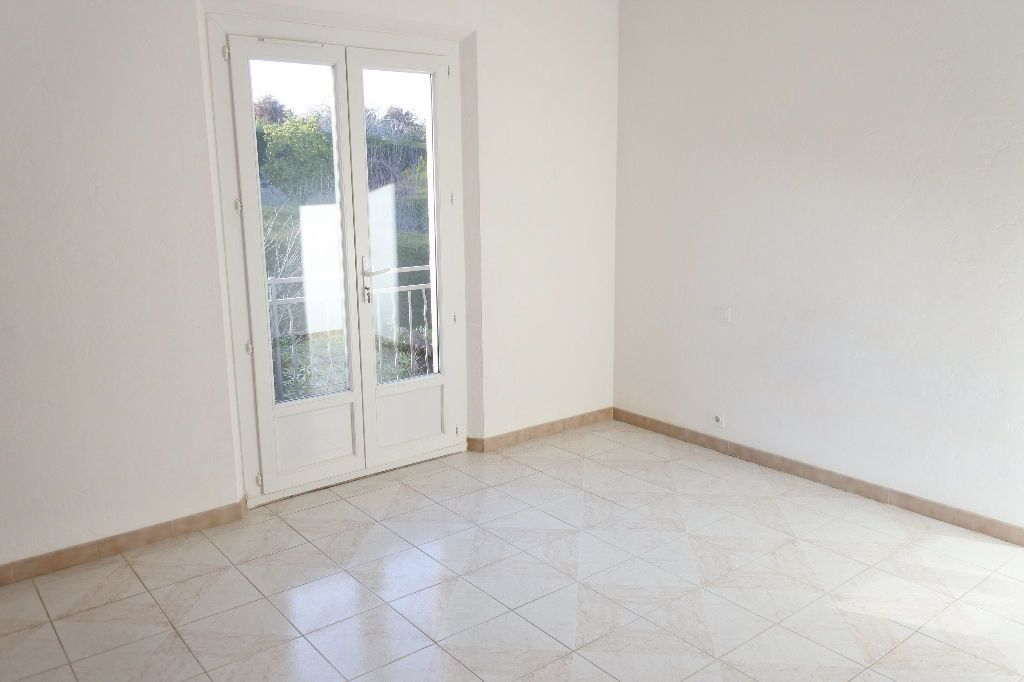 Maison à louer 4 114.4m2 à Mouans-Sartoux vignette-11