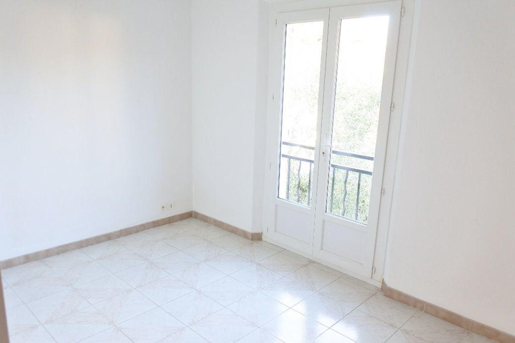 Maison à louer 4 114.4m2 à Mouans-Sartoux vignette-12