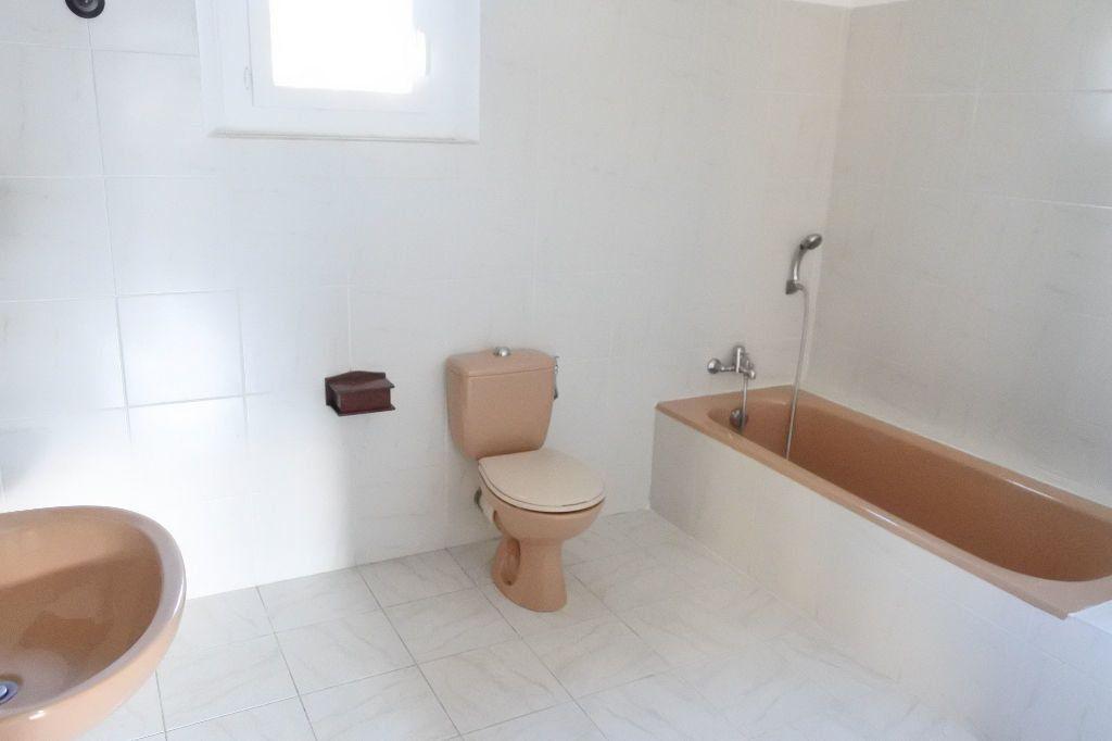 Maison à louer 4 114.4m2 à Mouans-Sartoux vignette-13
