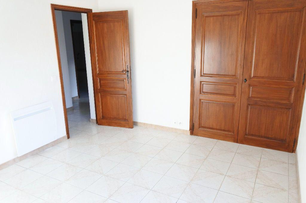 Maison à louer 4 114.4m2 à Mouans-Sartoux vignette-14