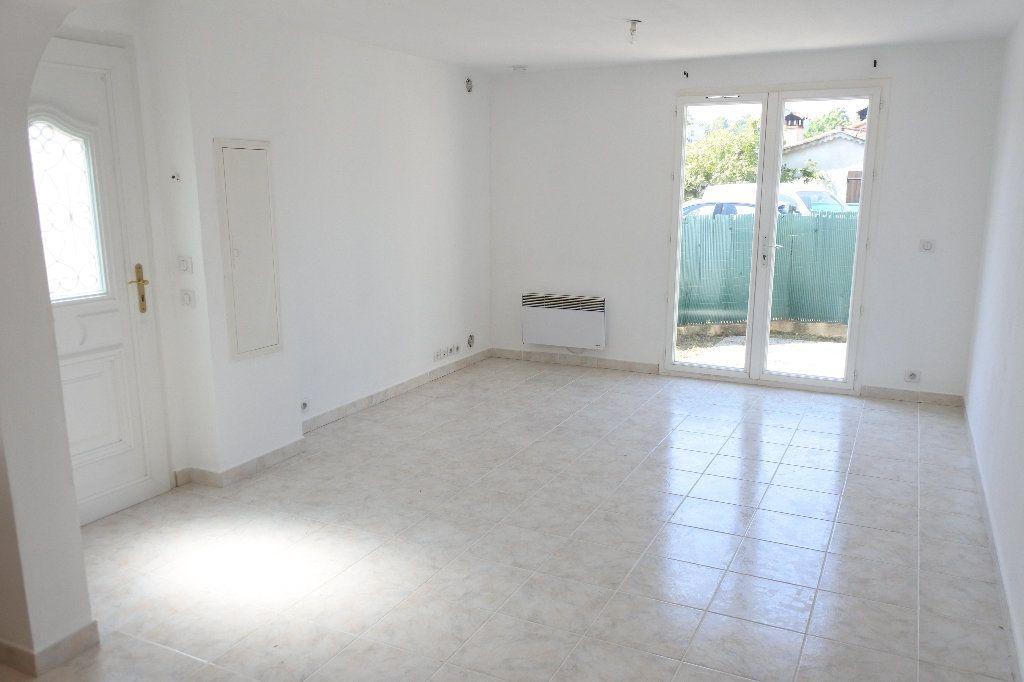 Appartement à louer 2 40.55m2 à La Roquette-sur-Siagne vignette-3