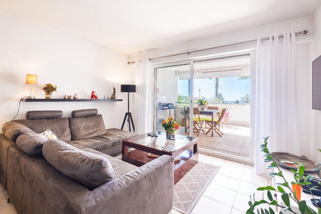 Appartement à vendre 3 59m2 à Cannes vignette-2
