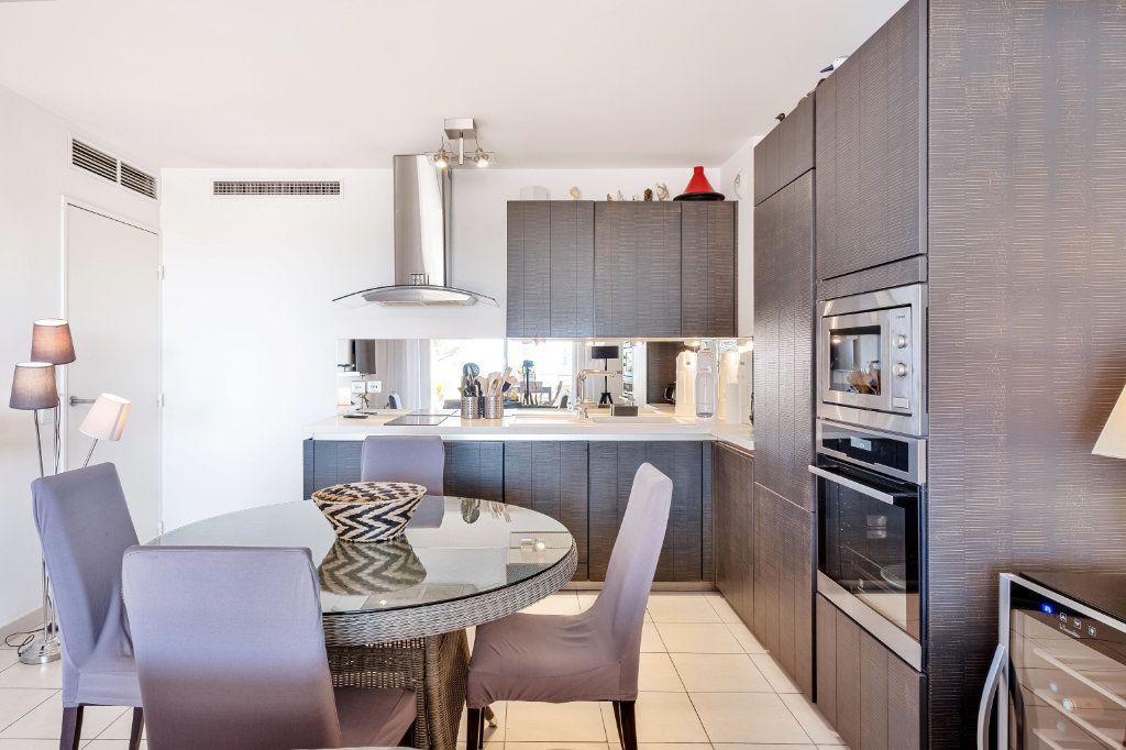 Appartement à vendre 3 59m2 à Cannes vignette-3