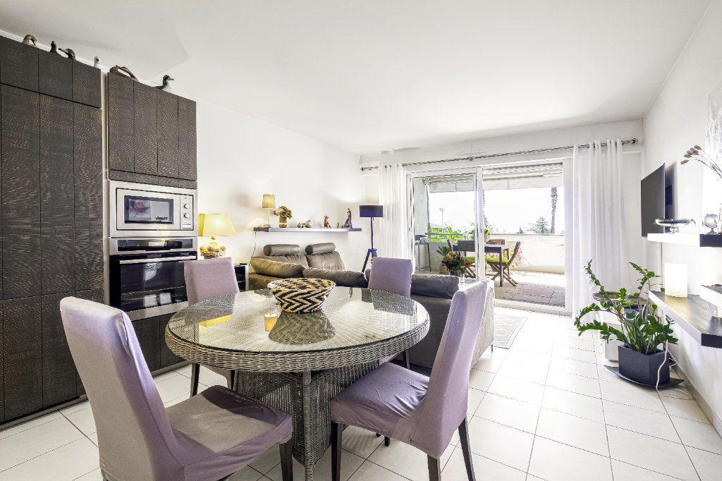 Appartement à vendre 3 59m2 à Cannes vignette-4