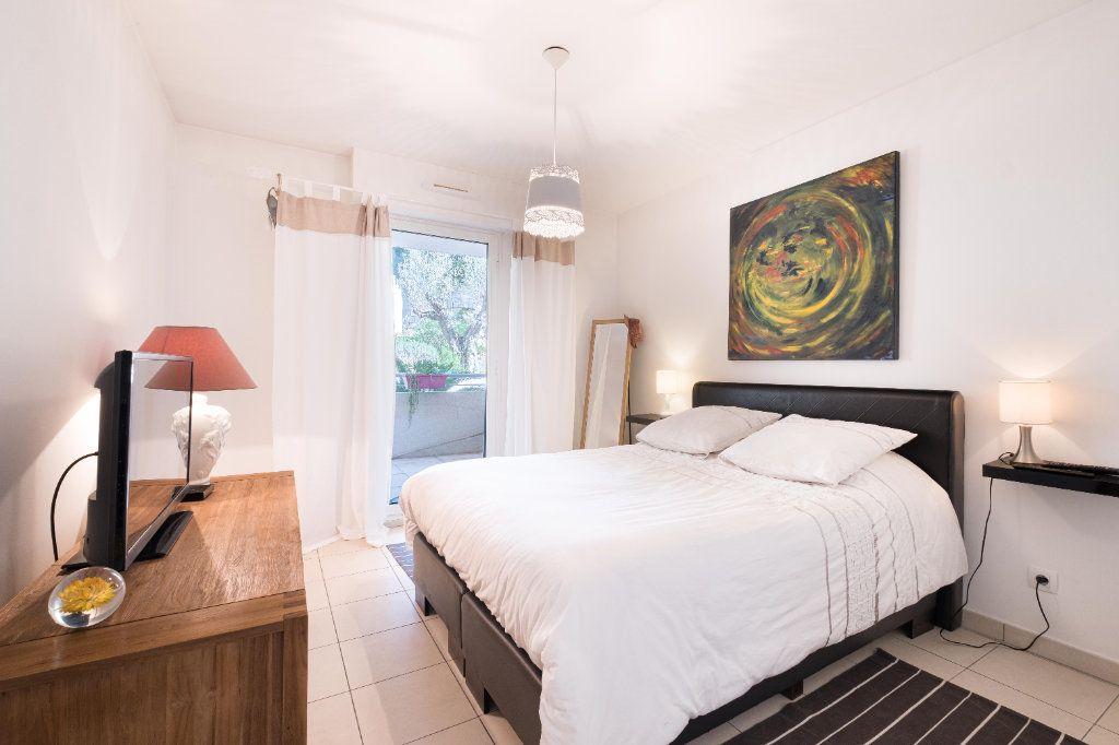 Appartement à vendre 3 59m2 à Cannes vignette-7