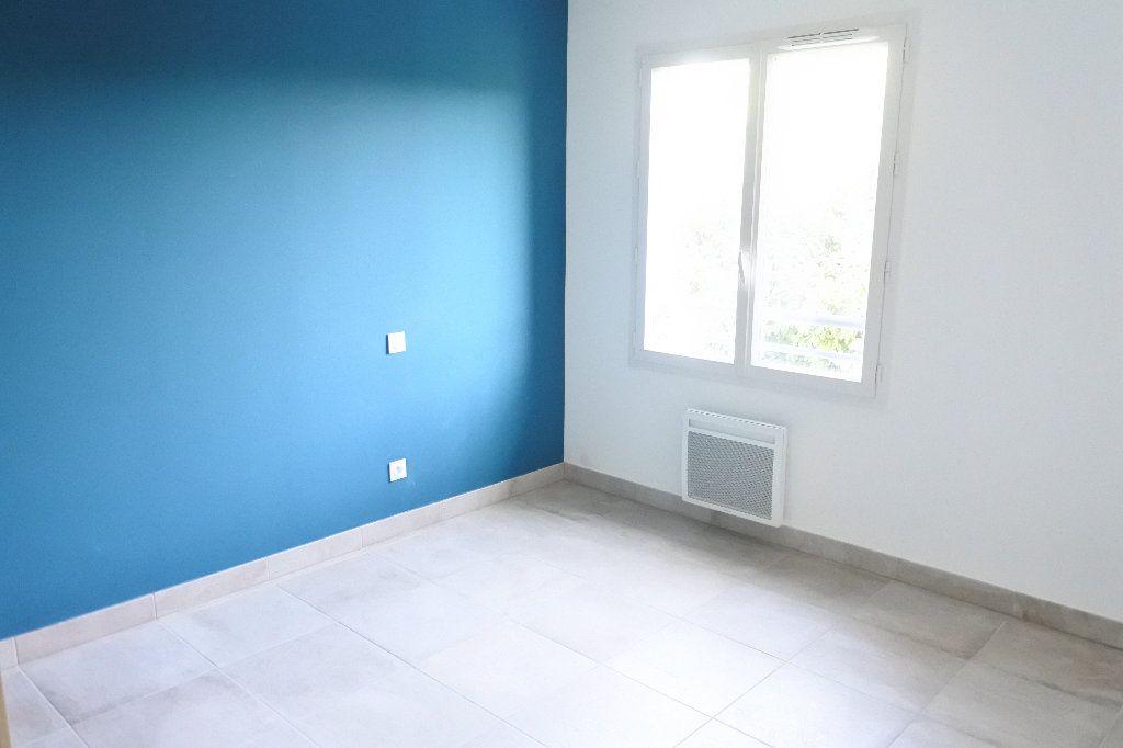 Appartement à louer 3 58.32m2 à Grasse vignette-6
