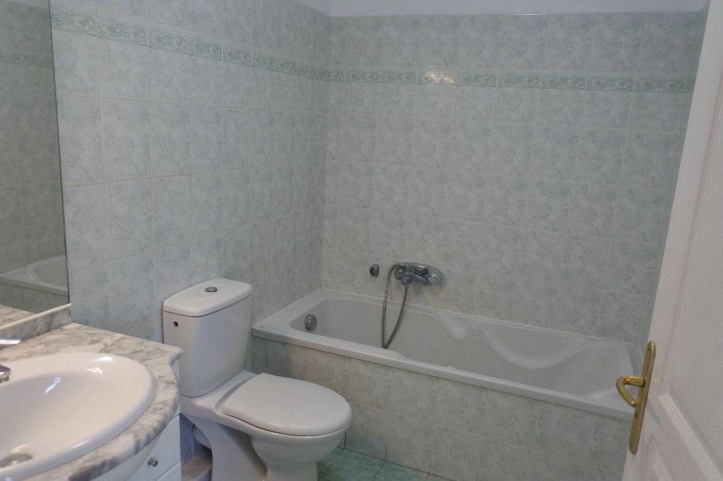 Appartement à louer 2 45.22m2 à Mouans-Sartoux vignette-7