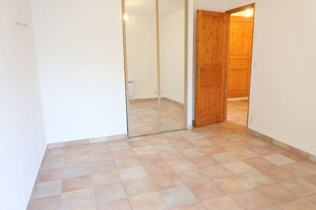 Appartement à louer 4 83.4m2 à Grasse vignette-6
