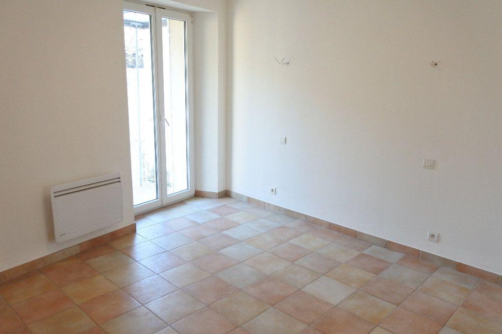 Appartement à louer 4 83.4m2 à Grasse vignette-7