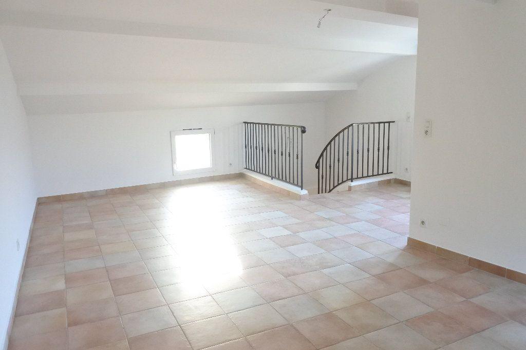 Appartement à louer 4 83.4m2 à Grasse vignette-9