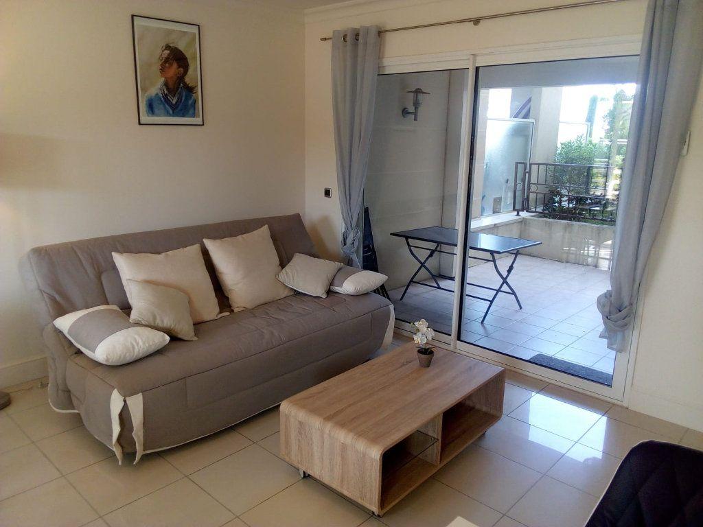 Appartement à louer 2 46.1m2 à Cannes vignette-5