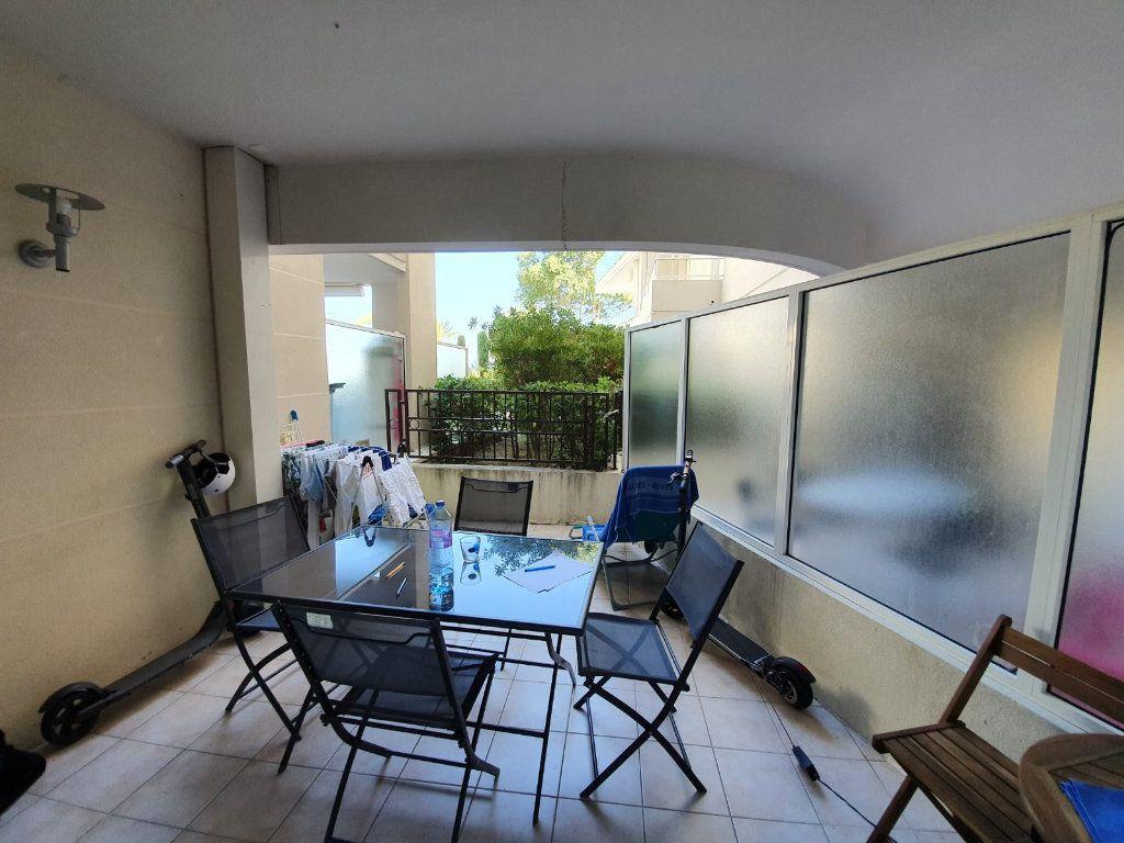 Appartement à louer 2 46.1m2 à Cannes vignette-6