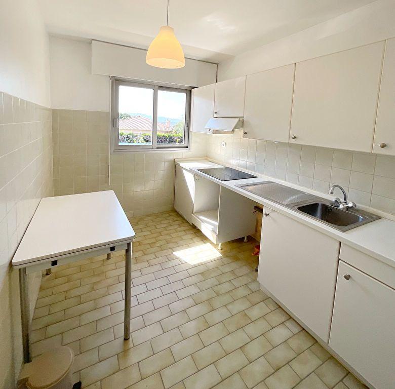 Appartement à louer 2 46.15m2 à Le Cannet vignette-3