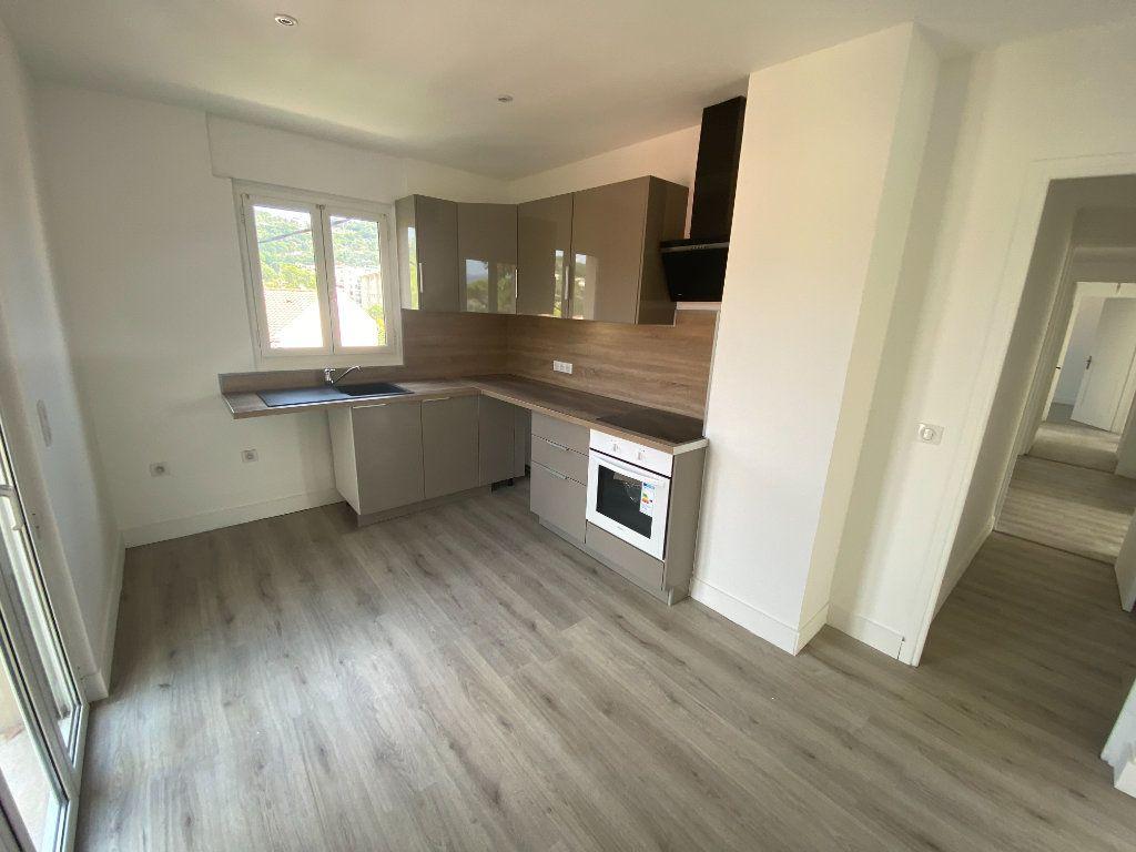 Appartement à louer 5 95.36m2 à Mouans-Sartoux vignette-4