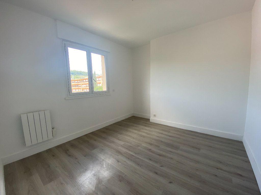 Appartement à louer 5 95.36m2 à Mouans-Sartoux vignette-8
