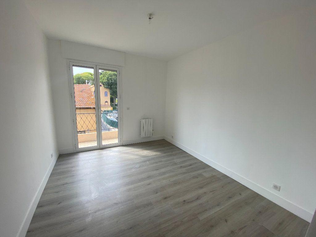 Appartement à louer 5 95.36m2 à Mouans-Sartoux vignette-9
