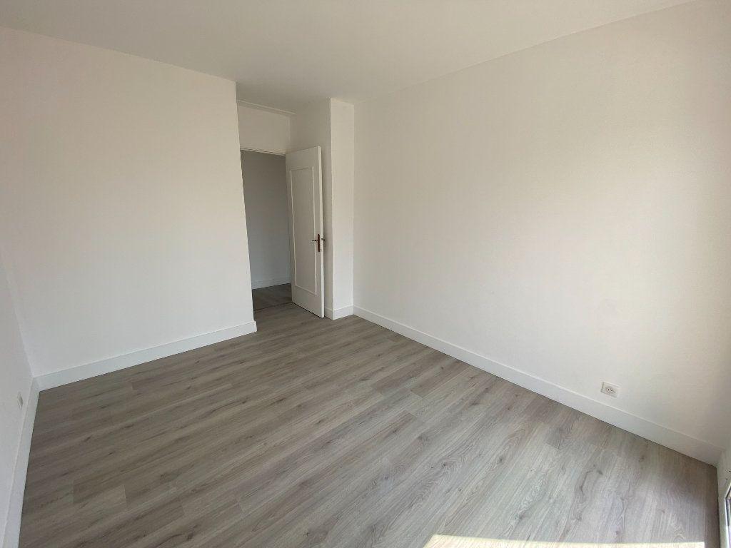 Appartement à louer 5 95.36m2 à Mouans-Sartoux vignette-10