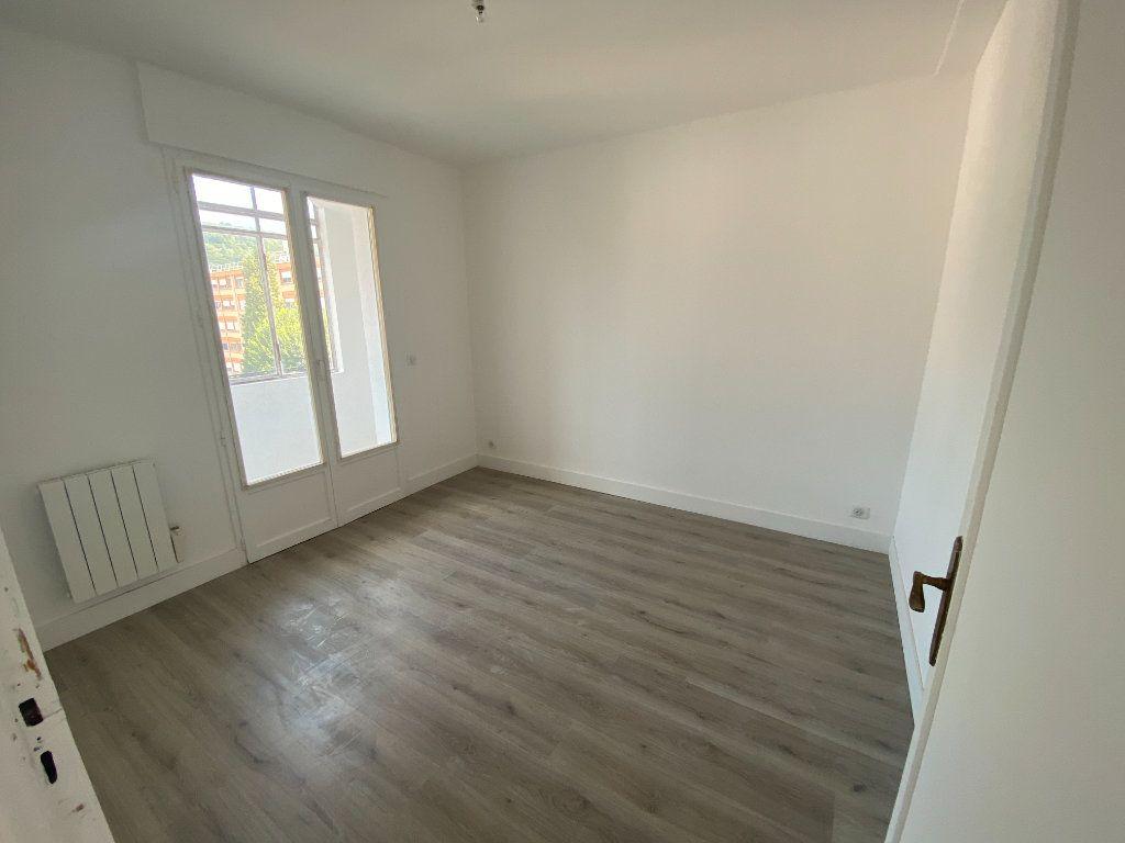 Appartement à louer 5 95.36m2 à Mouans-Sartoux vignette-13